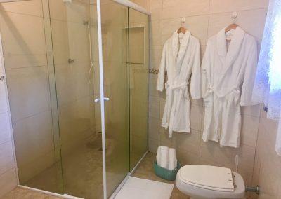 Banheiro Bali na Pousada Moa Guarujá